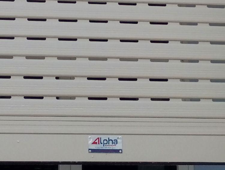 cửa cuốn nhôm alpha a672